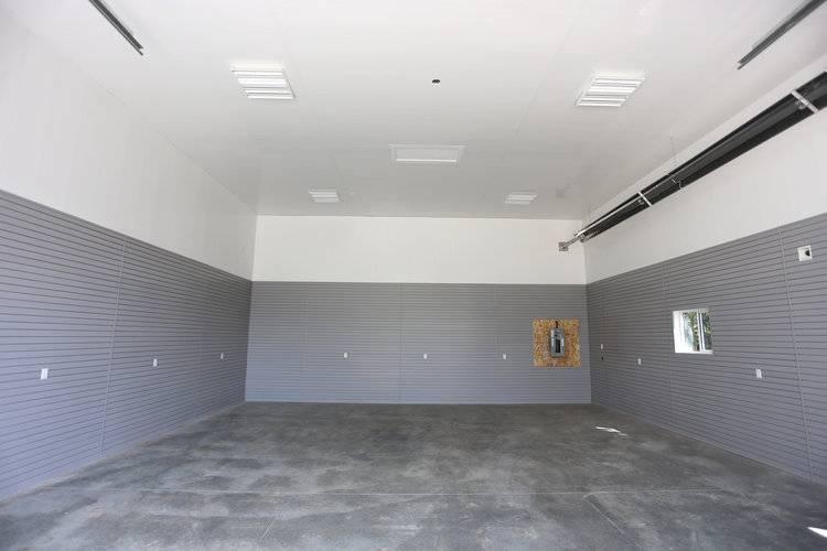 Какой краской можно красить стены внутри в гараже: выбор цвета и способы покраски