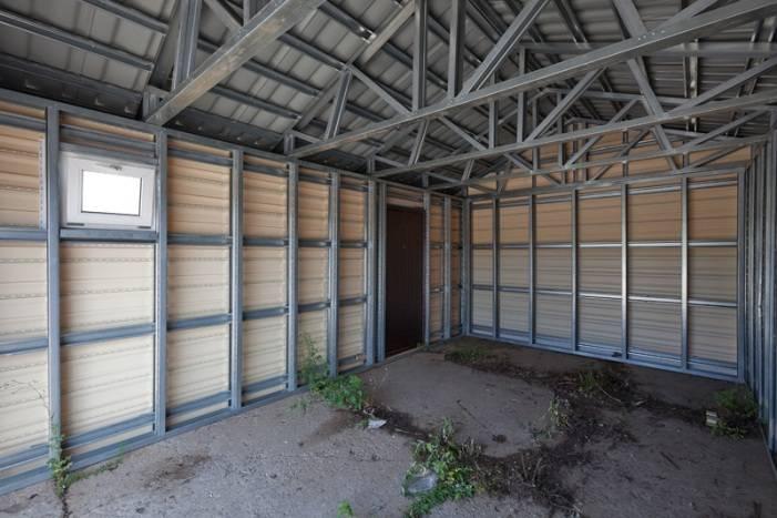 Строительство гаража из профнастила - инструкция