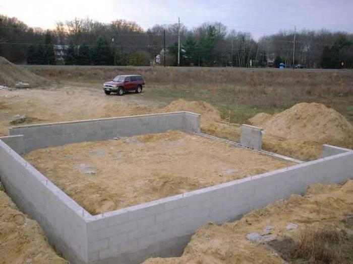 Строительство гаража своими руками из пеноблоков