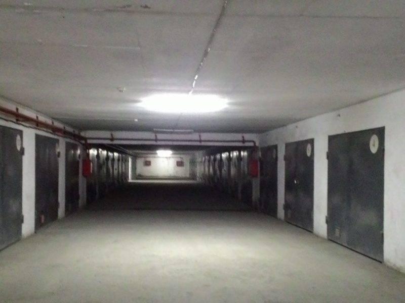 Можно ли строить гараж по границе забора вместо забора: нормы отступа