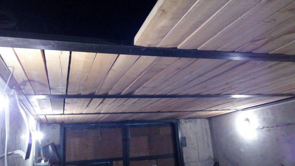 Потолок в гараже — чем его обшить дешево и красиво?