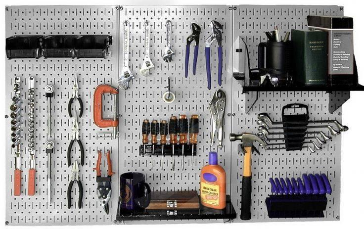 Организация хранения инструмента на стене гаража