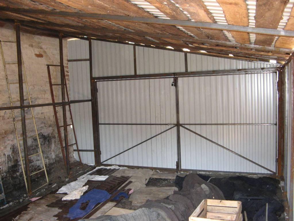Как построить каркасный гараж из металлопрофиля своими руками, фото и видео примеры