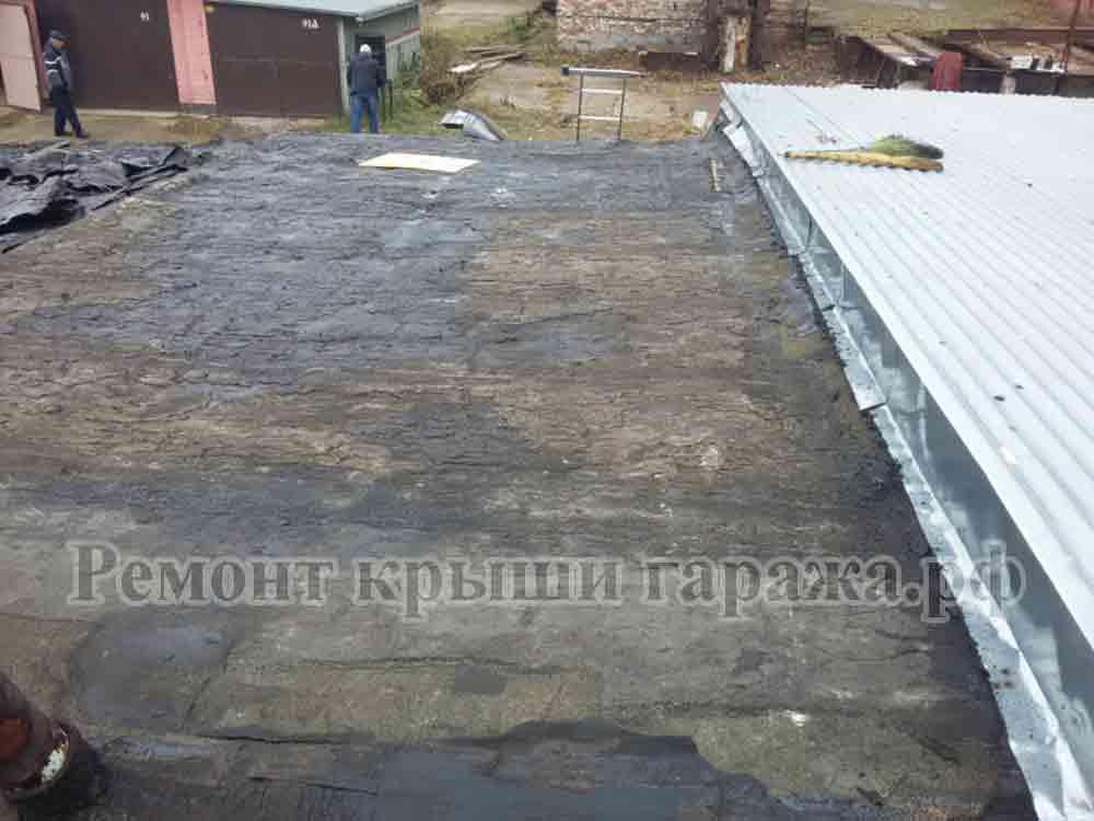 Как и чем залить крышу гаража, чтобы не протекала — причины протечек и способы устранения