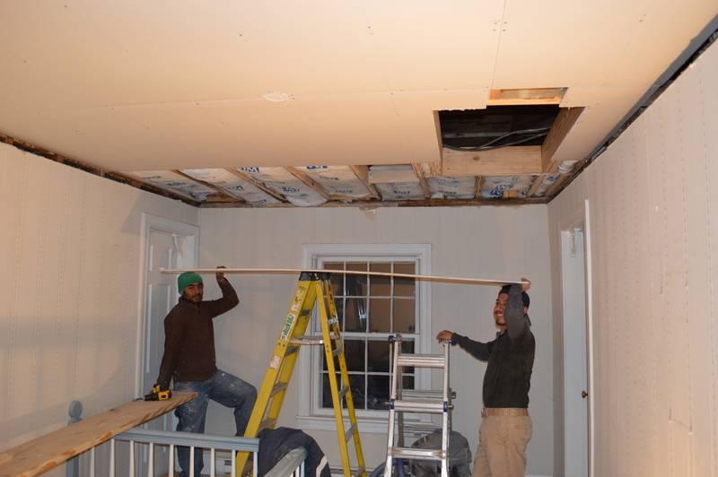 Чем подшить потолок в гараже недорого: лучшие варианты и фото
