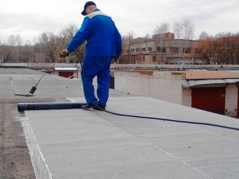 Чем залить крышу гаража, чтобы не протекала: основные способы ремонта