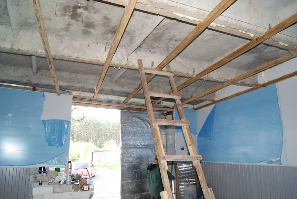 Как сделать потолок в гараже своими руками, чем лучше обшить и отделать