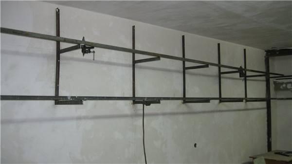 Полки в гараже своими руками: для колес и инструментов, стеллажи и полки над верстаком, из дерева и металла