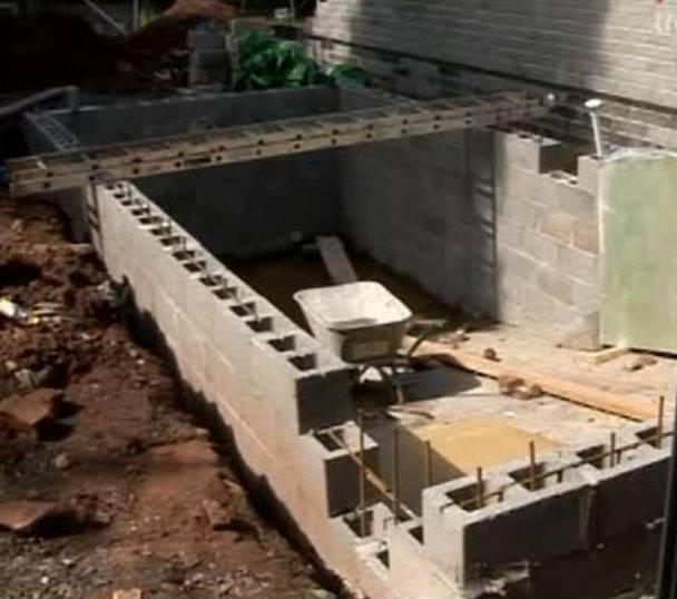 Как построить гараж изкерамзитобетонных блоков своими руками