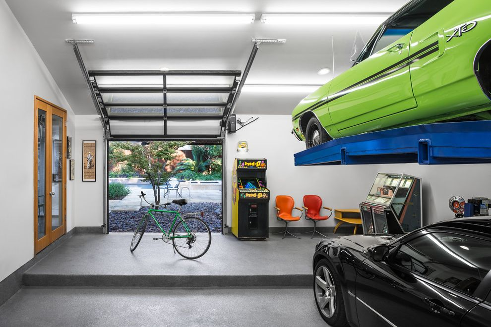 Как обустроить гараж