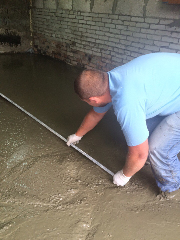 Как выровнять бетонный пол в гараже своими руками: порядок действий