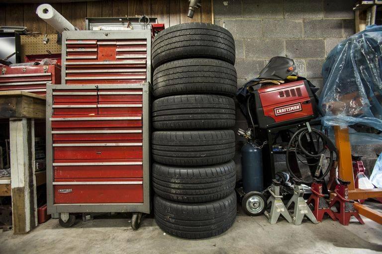 Да пошло оно всё в гараж: как и где лучше хранить автомобиль