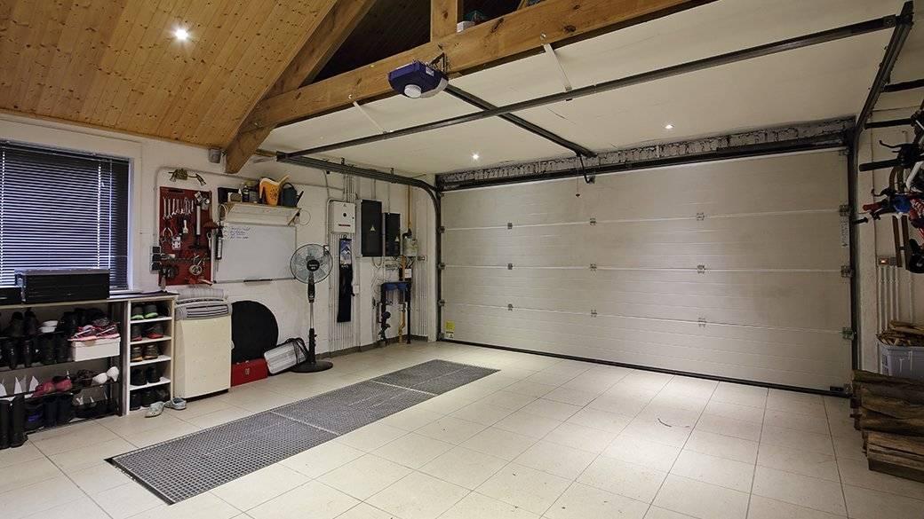 Покрыть гараж резиной: знакомый материал в многообразии вариаций