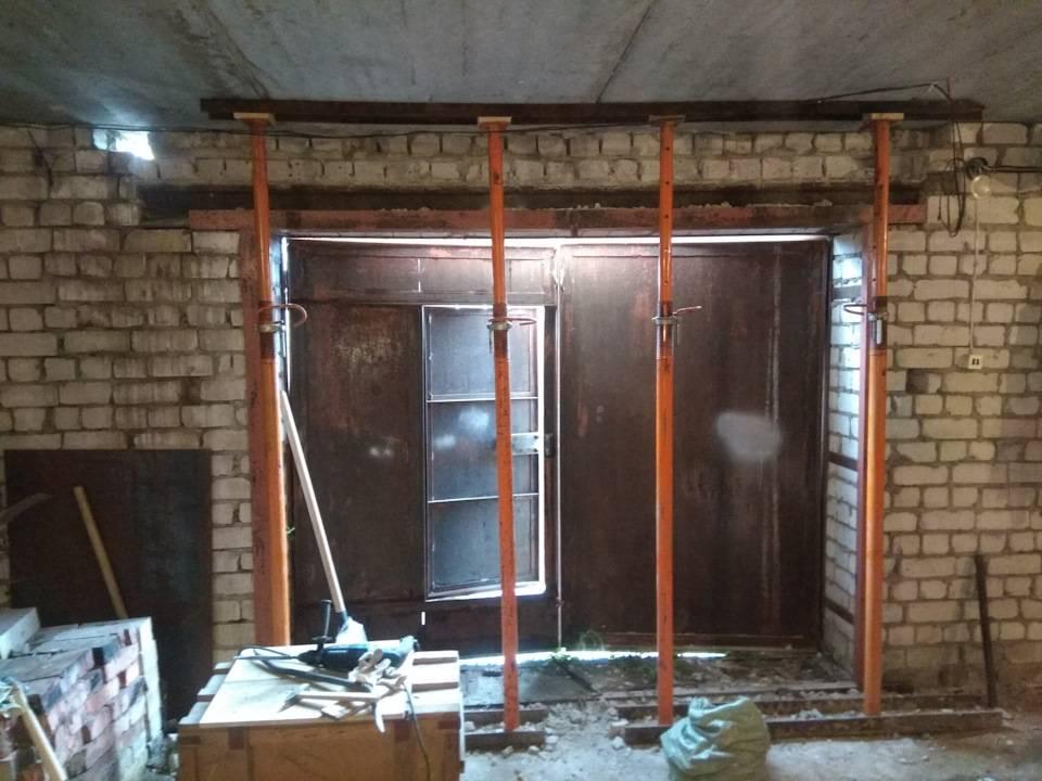Как поднять гаражные ворота в кирпичном гараже? - строительный портал