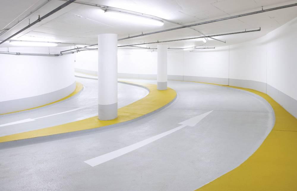 Преимущества наливного пола для гаража