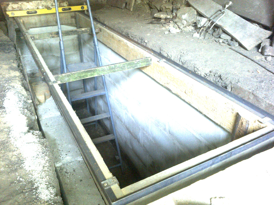 Смотровая яма в гараже своими руками: размеры по гост, пошаговая инструкция - строительство и ремонт