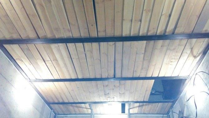 Чем обшить потолок в гараже: какие материалы применить