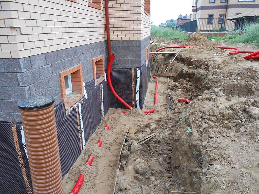 Как сделать дренаж фундамента дома своими руками на глинистых почвах