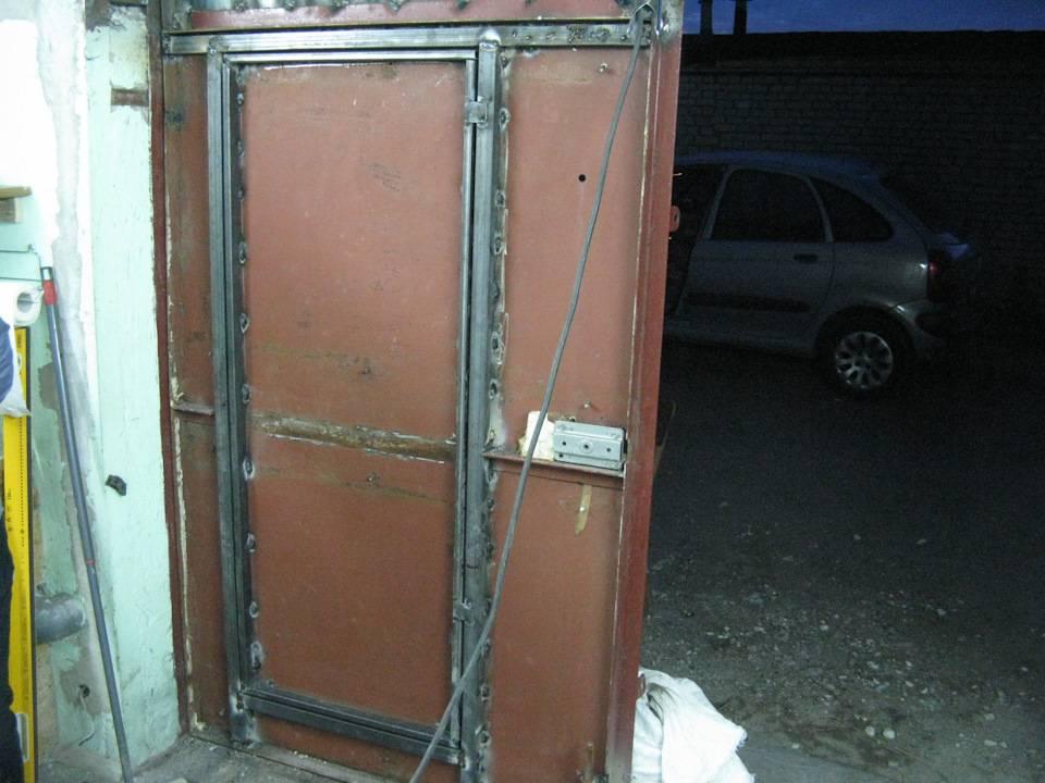 Как сварить ворота в гараж своими руками из профтрубы: сколько стоит, видео и фото