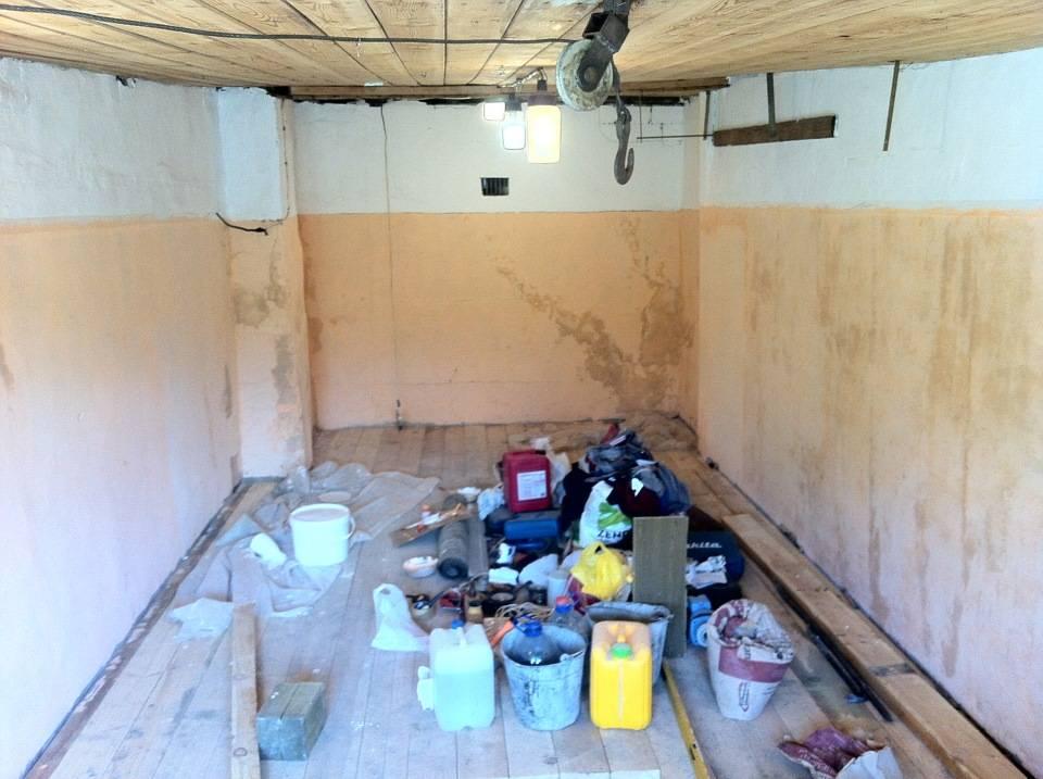 Как покрасить стены в гараже: особенности работы с кирпичными, бетонными и по штукатурке, фото, а также чем лучше покрыть внутри и снаружи, какой цвет выбрать?