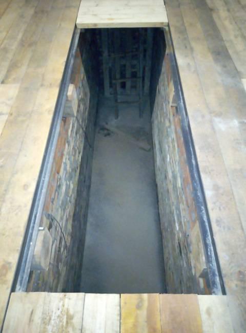Смотровая яма в гараже - подбор размеров и обустройство ниши (80 фото)