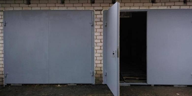 Виды гаражных ворот - распашные, подъемно-секционные, подъемно-поворотные