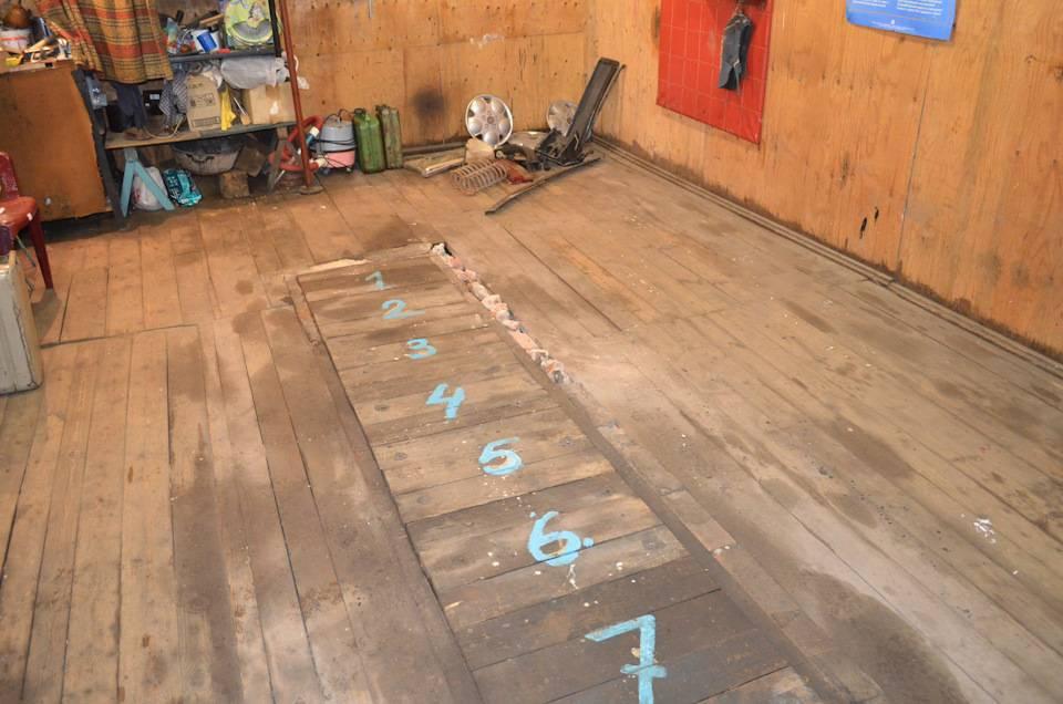 Монтаж деревянного пола в гараже: как настелить и чем покрасить?