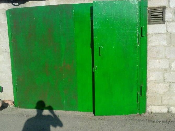 В какой цвет покрасить гараж внутри: как выбрать краску