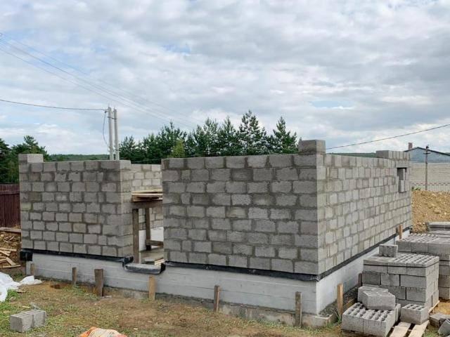 Гараж из бетонных блоков своими руками