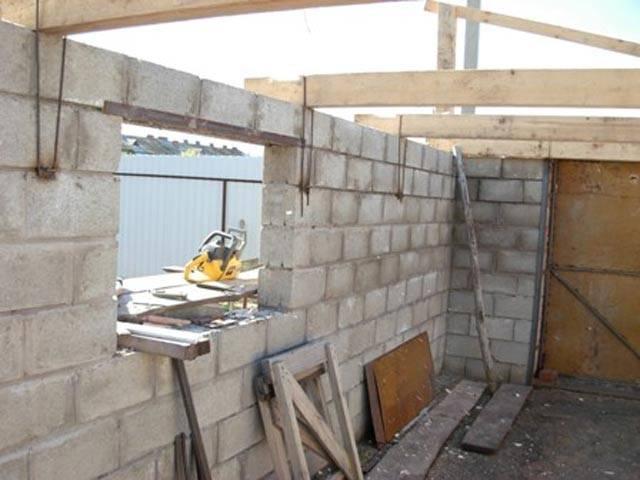 Выясняем, как правильно построить гараж из шлакоблока своими руками