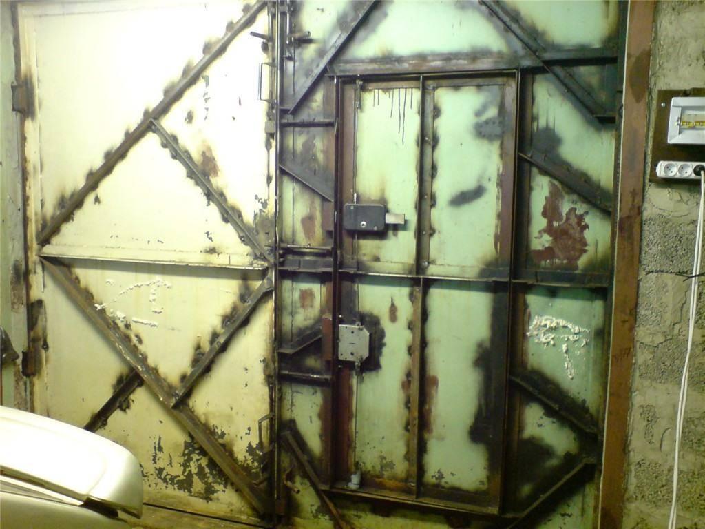Как защитить свой гараж от плохишей — защищаем ворота от взлома
