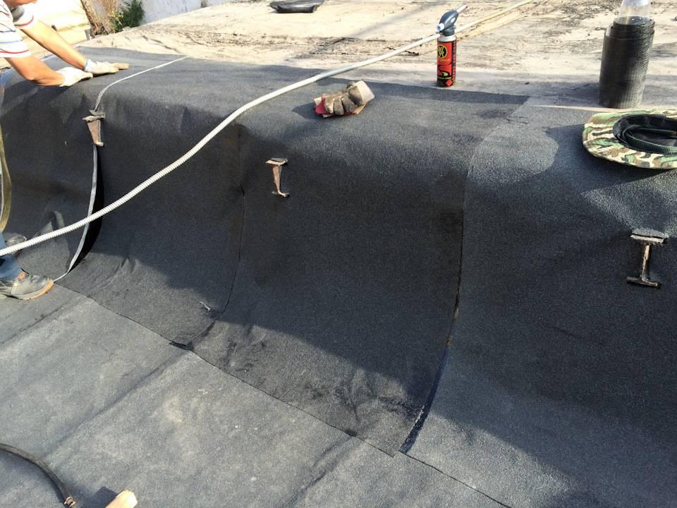 Как закрепить бикрост на деревянной крыше. укладка гидроизоляции бикроста на крышу
