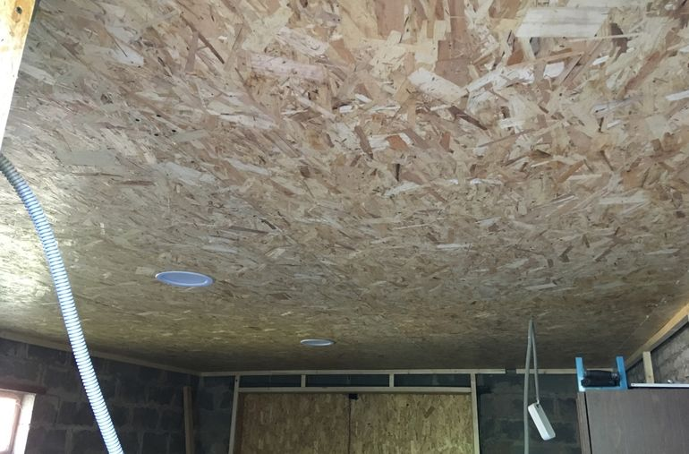 Как и чем обшить потолок в гараже дешево и красиво