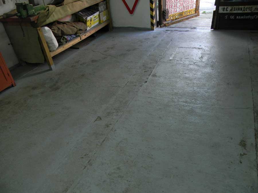 Выравнивание бетонного пола с помощью сухой, цементно-песчаноц стяжки, самовыравнивающихся смесей