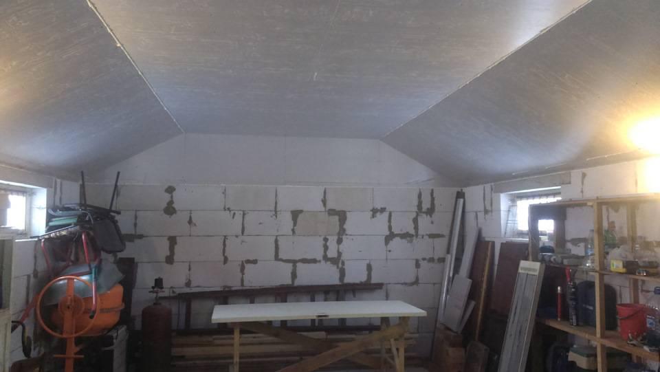 Чем дешево обшить гараж изнутри