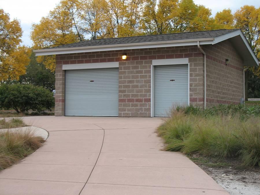 Как правильно оформить гараж в собственность, если нет документов?
