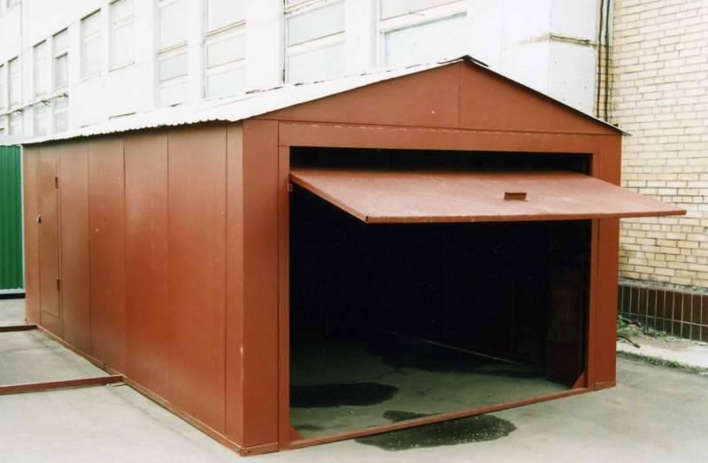 Окрашивание металлического гаража: особенности, выбор красящих веществ, подготовка и этапы покраски.