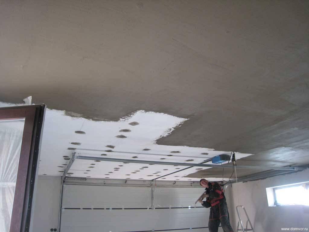 Чем утеплить потолок в гараже изнутри и снаружи?