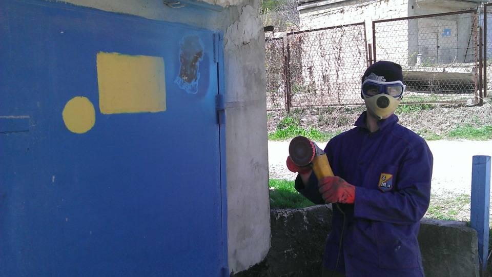 Чем покрасить стены в гараже - выбор состава и правила нанесения